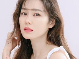 'Chị đẹp' Son Ye Jin: 'Tôi thấy bản thân đã già và có nhiều nếp nhăn'