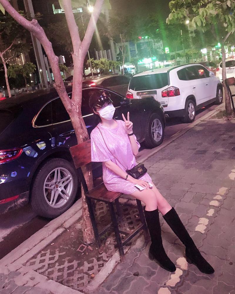 Tăng Thanh Hà khoe dáng mảnh mai với trang phục kiệm vải-3