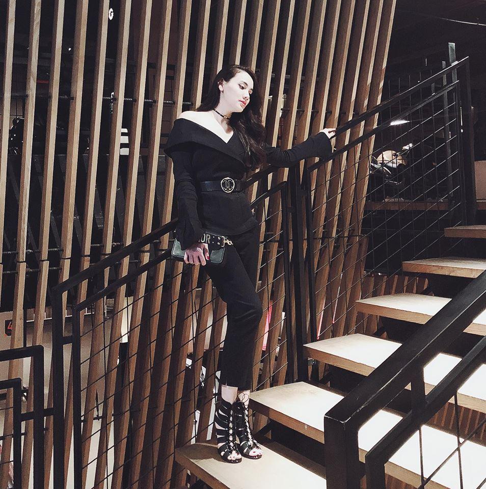 Tăng Thanh Hà khoe dáng mảnh mai với trang phục kiệm vải-10