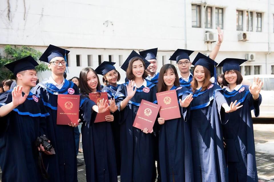 Bá đạo như Đỗ Mỹ Linh: Đã photoshop ảnh tốt nghiệp đại học lại còn báo cho cả thiên hạ biết-5