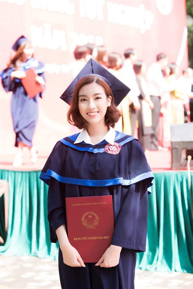 Bá đạo như Đỗ Mỹ Linh: Đã photoshop ảnh tốt nghiệp đại học lại còn báo cho cả thiên hạ biết-4