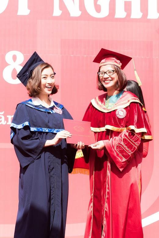 Bá đạo như Đỗ Mỹ Linh: Đã photoshop ảnh tốt nghiệp đại học lại còn báo cho cả thiên hạ biết-3