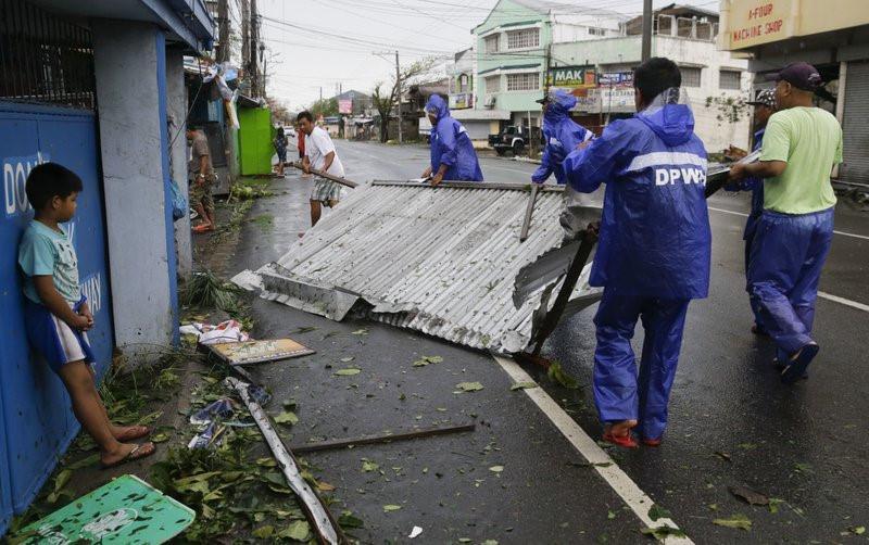 Philippines xác nhận 2 người đầu tiên thiệt mạng vì siêu bão Mangkhut-3
