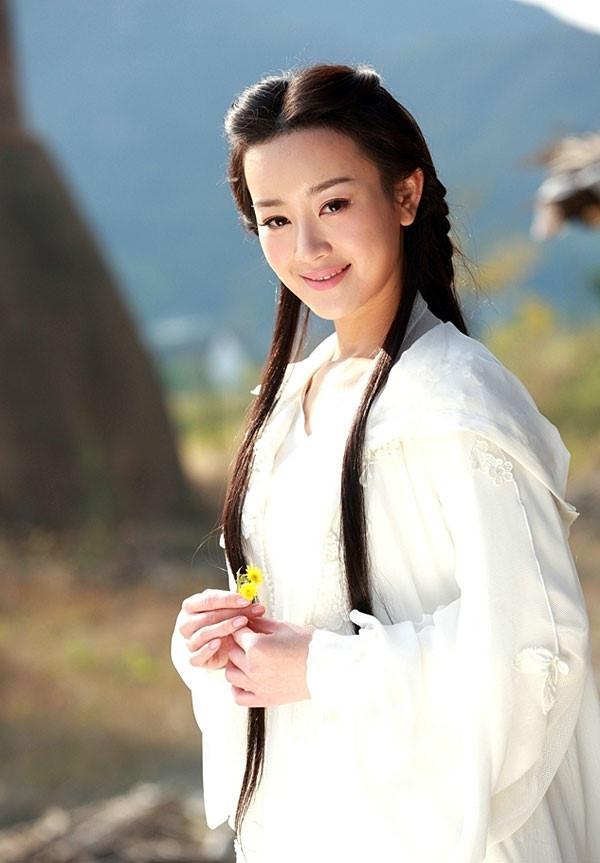Đóng cùng vai với Lưu Diệc Phi, loạt mỹ nhân Hoa ngữ đẹp đến mấy cũng trở nên thê thảm-2