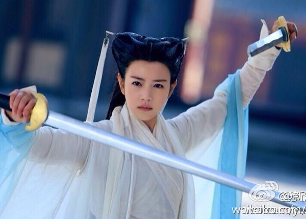 Đóng cùng vai với Lưu Diệc Phi, loạt mỹ nhân Hoa ngữ đẹp đến mấy cũng trở nên thê thảm-4