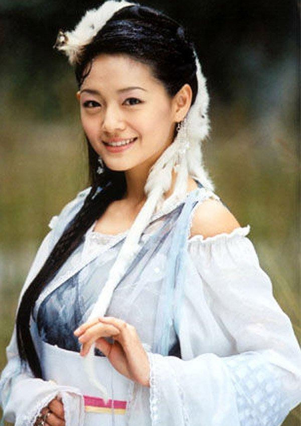 Đóng cùng vai với Lưu Diệc Phi, loạt mỹ nhân Hoa ngữ đẹp đến mấy cũng trở nên thê thảm-8