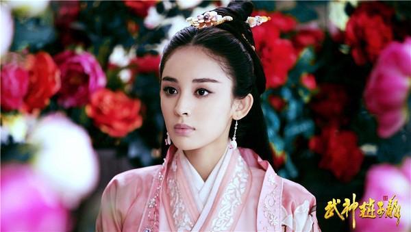 Đóng cùng vai với Lưu Diệc Phi, loạt mỹ nhân Hoa ngữ đẹp đến mấy cũng trở nên thê thảm-10