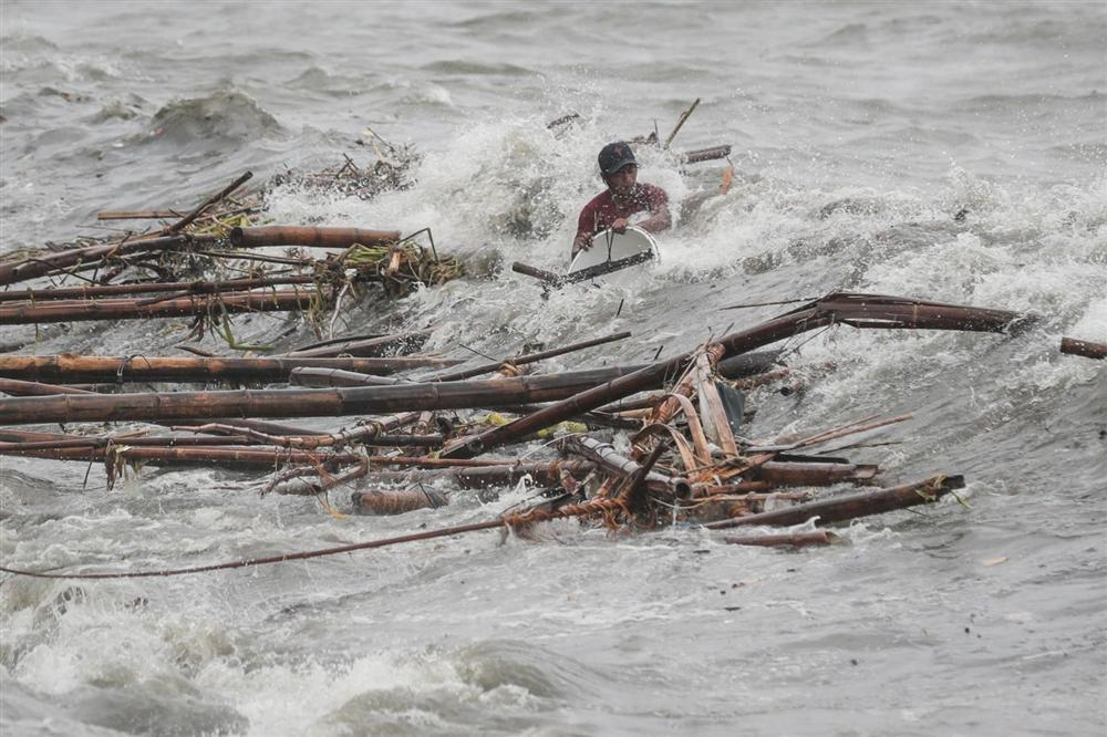 Miền Bắc Philippines tan hoang sau siêu bão Mangkhut, 14 người chết-1