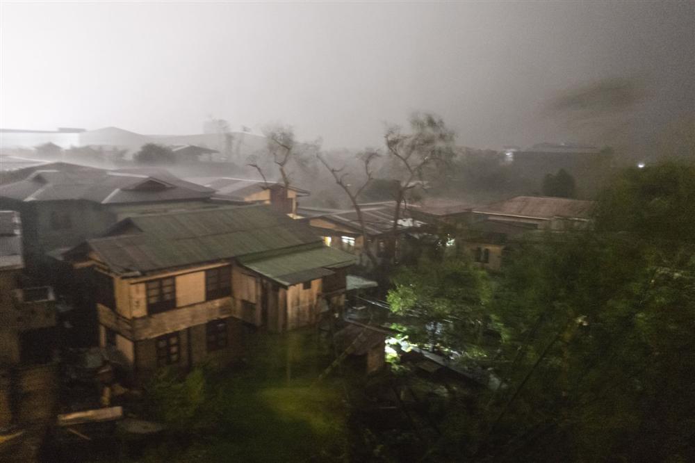 Miền Bắc Philippines tan hoang sau siêu bão Mangkhut, 14 người chết-2