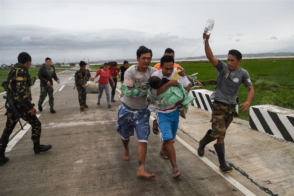 Miền Bắc Philippines tan hoang sau siêu bão Mangkhut, 14 người chết-8