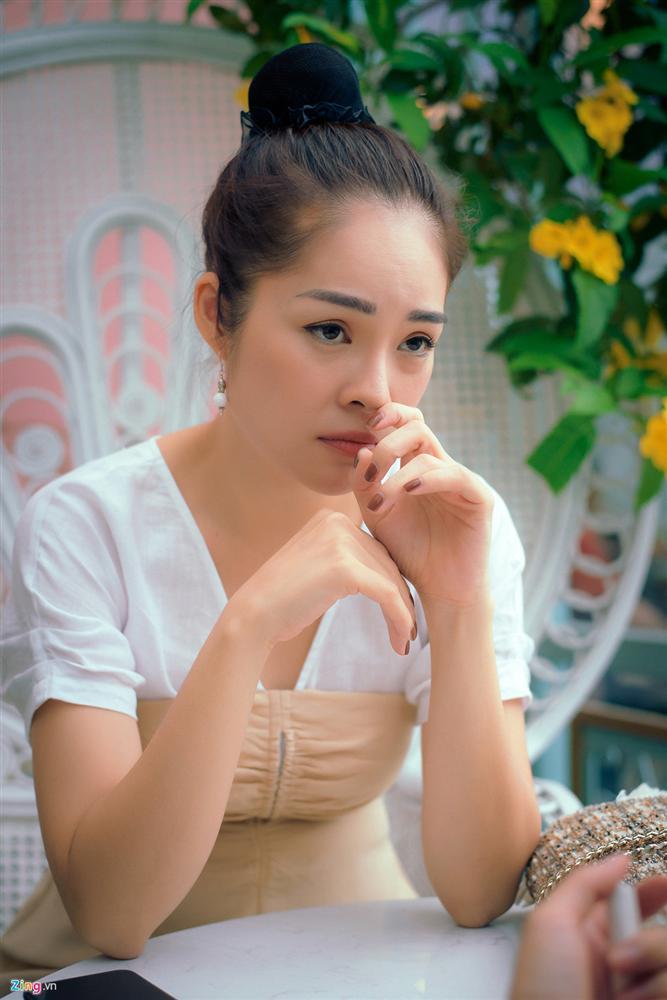 Dương Cẩm Lynh: Tôi khóc cả tháng, chới với khi ôm con ra ngoài sống-2