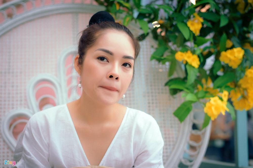 Dương Cẩm Lynh: Tôi khóc cả tháng, chới với khi ôm con ra ngoài sống-3