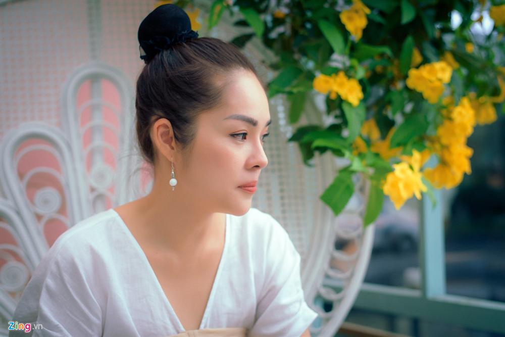 Dương Cẩm Lynh: Tôi khóc cả tháng, chới với khi ôm con ra ngoài sống-4