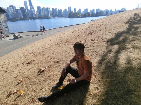 Theo chân Ưng Đại Vệ và Hương Tràm khám phá thành phố Vancouver - Canada-2