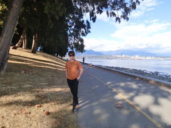 Theo chân Ưng Đại Vệ và Hương Tràm khám phá thành phố Vancouver - Canada-3