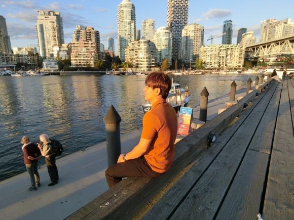 Theo chân Ưng Đại Vệ và Hương Tràm khám phá thành phố Vancouver - Canada-4