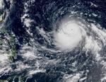 Hoàn lưu khổng lồ của bão Mangkhut và Florence nhìn từ không trung