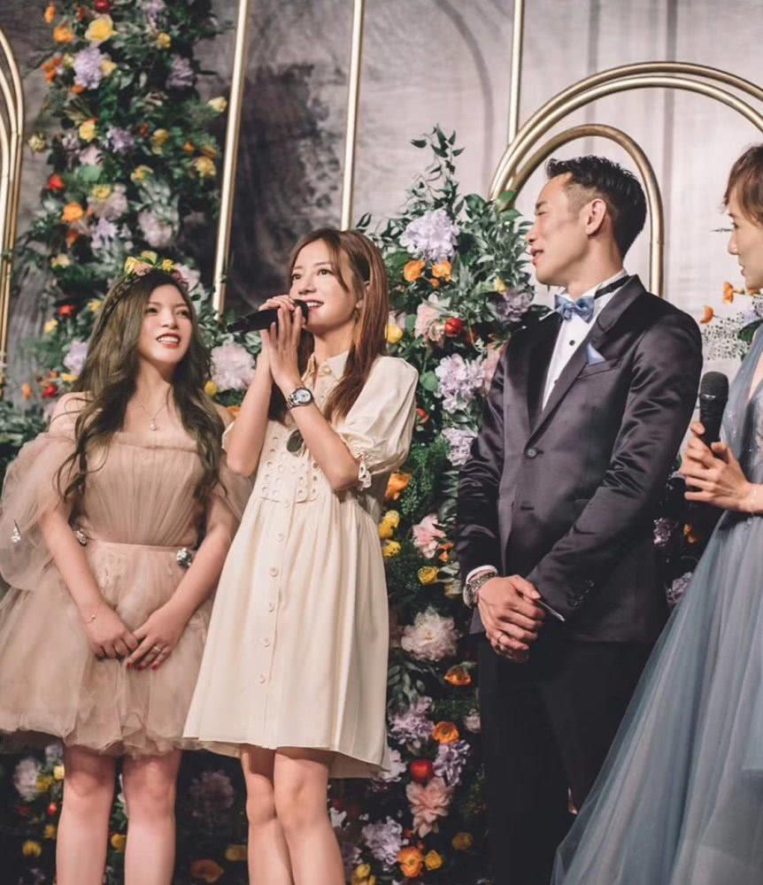 Triệu Vy xinh đẹp khi dự lễ cưới thiên kim nhà giàu Trung Quốc-4