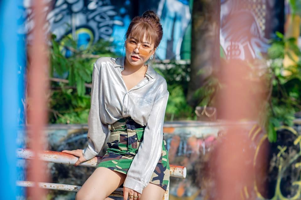 Dù là bikini sexy hay duyên dáng với áo dài, BB Trần vẫn vượt mặt loạt mỹ nhân bởi tài giả gái có 1 - 0 - 2-9