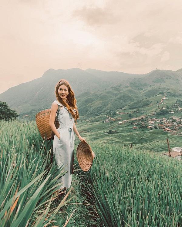 Không thể rời mắt khỏi loạt ảnh check-in tuyệt đẹp của hot girl tóc mây tại Việt Nam-6