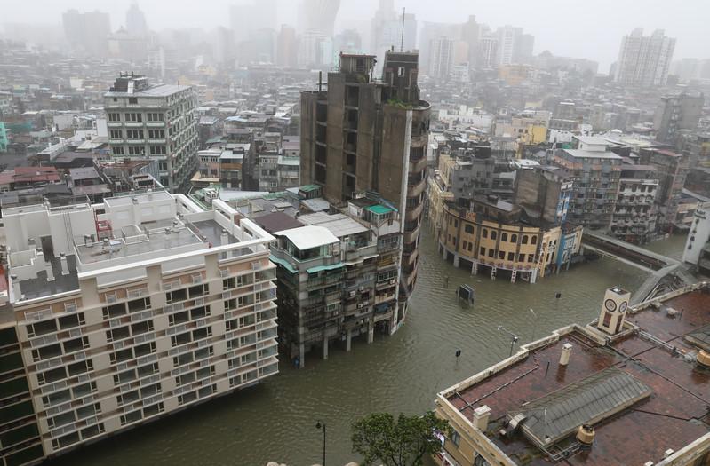 Thiên đường cờ bạc Macau biến thành sông vì bão Mangkhut-1
