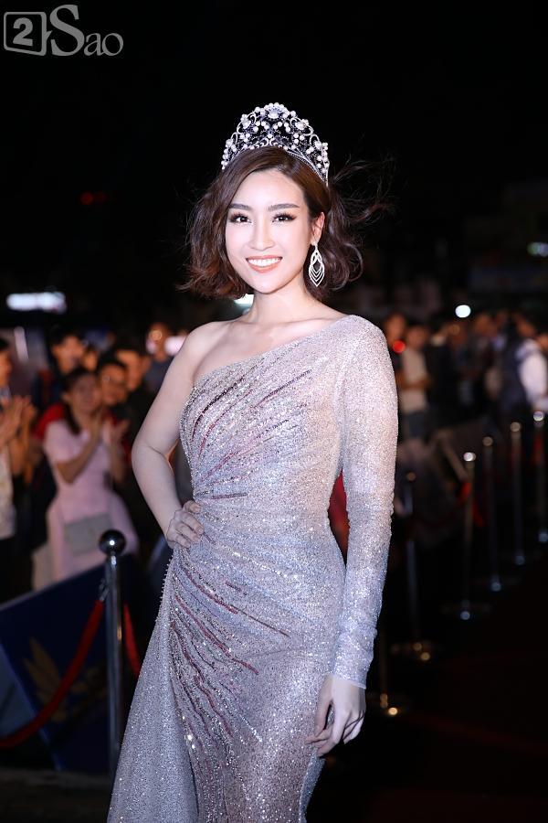 Hoa hậu Việt Nam 2018: Nam Em đẫy đà như mệnh phu nhân giữa dàn Hoa hậu, Á hậu lộng lẫy-1