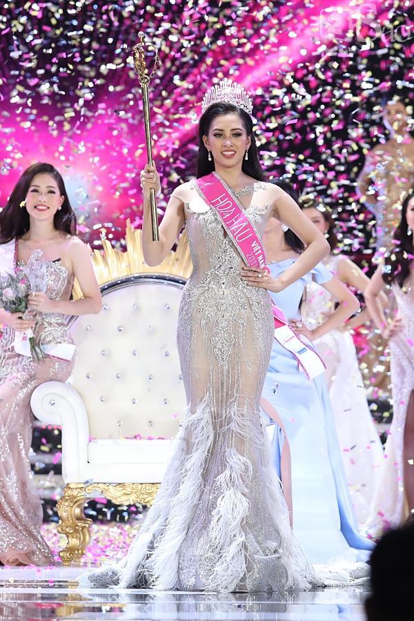 Trần Tiểu Vy đăng quang Hoa hậu Việt Nam 2018-6
