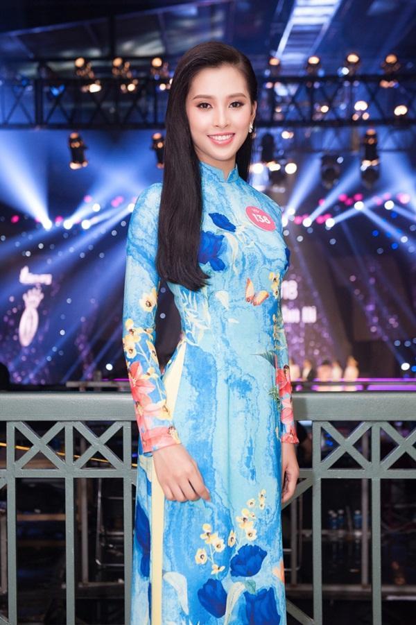 Mới 18 tuổi nhưng tân Hoa hậu Việt Nam - Trần Tiểu Vy đã sở hữu nhan sắc không phải dạng vừa-5