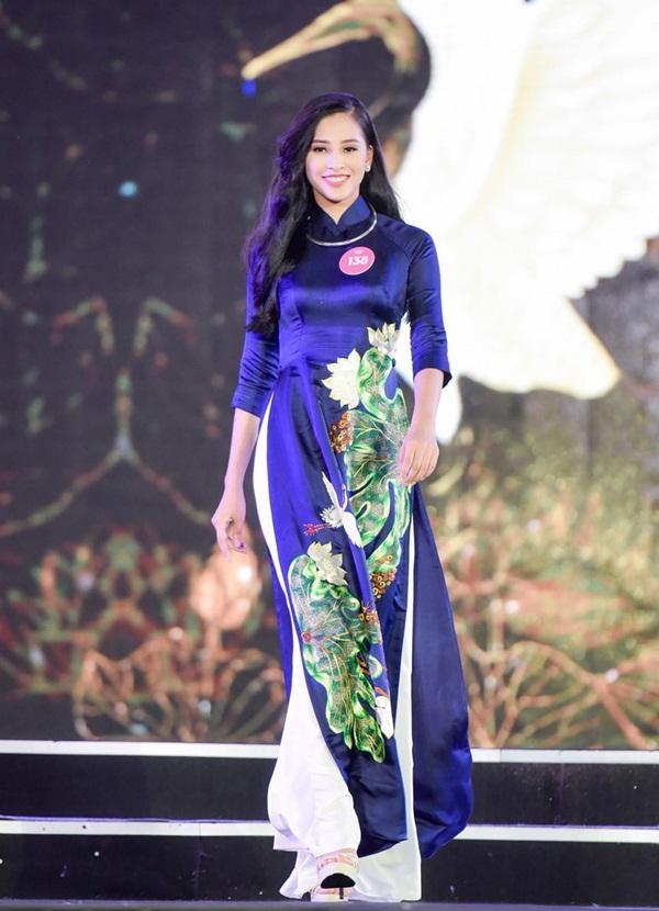 Mới 18 tuổi nhưng tân Hoa hậu Việt Nam - Trần Tiểu Vy đã sở hữu nhan sắc không phải dạng vừa-8