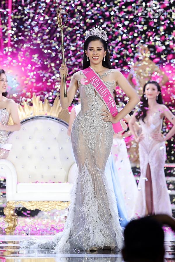 Tân Hoa hậu Việt Nam 2018 Trần Tiểu Vy gây thất vọng với khả năng đối thoại trước đám đông-1