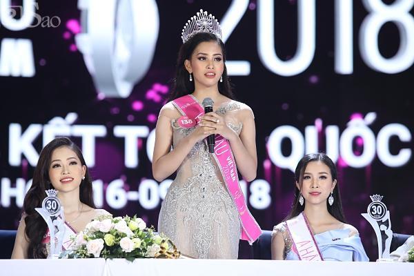 Tân Hoa hậu Việt Nam 2018 Trần Tiểu Vy gây thất vọng với khả năng đối thoại trước đám đông-2