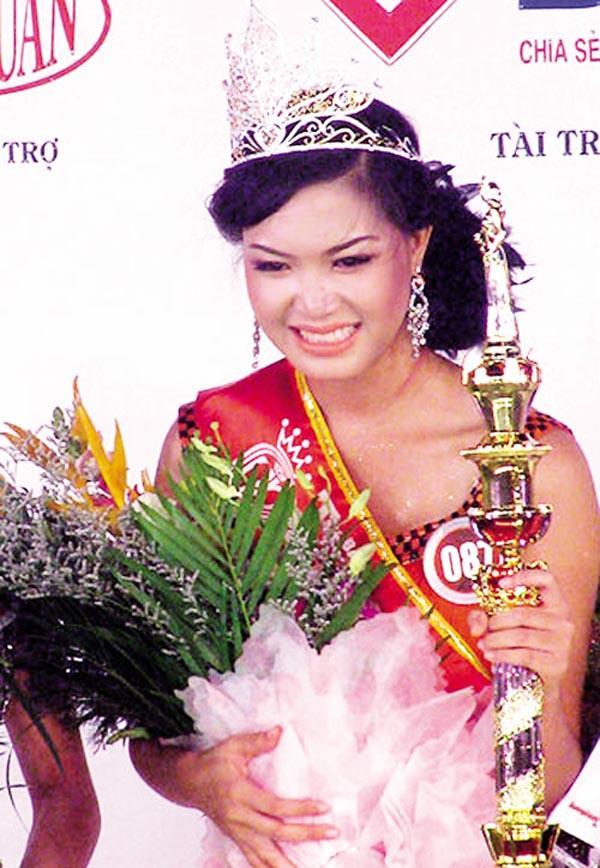 Trước Trần Tiểu Vy, nhiều Hoa hậu Việt Nam cũng từng khổ sở vì bị khui kết quả học tập-10