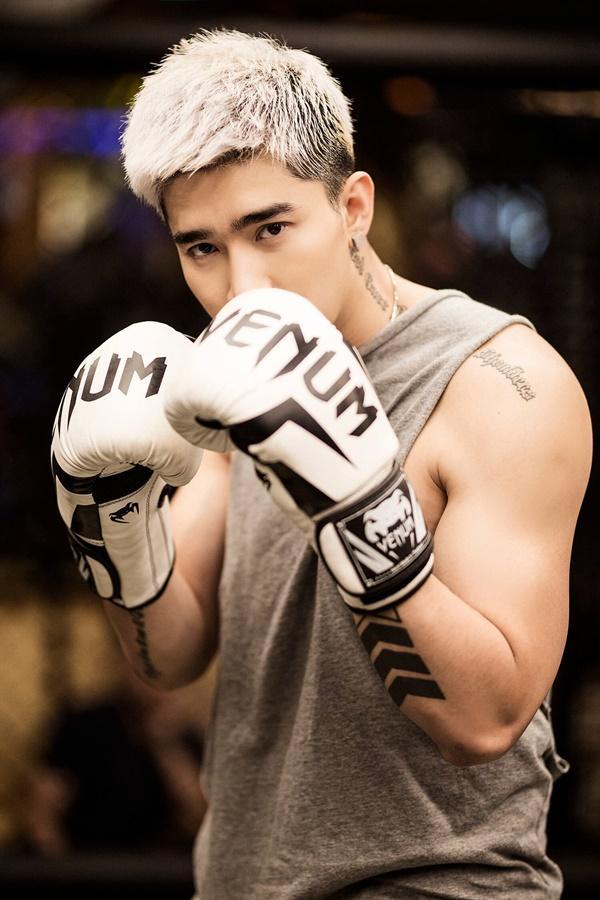 Mike Angelo tấn công Vpop tổ chức fanmeeting, Chi Dân khoe cơ bắp, Lưu Hiền Trinh tách nhóm solo-6