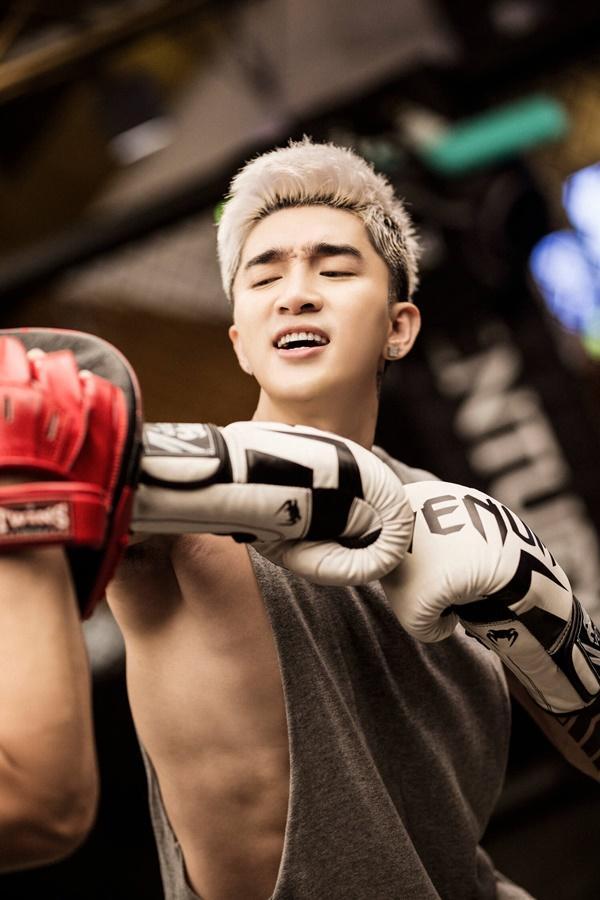 Mike Angelo tấn công Vpop tổ chức fanmeeting, Chi Dân khoe cơ bắp, Lưu Hiền Trinh tách nhóm solo-7