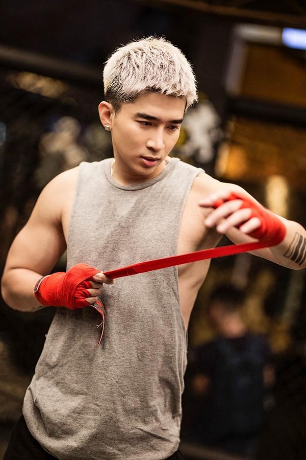 Mike Angelo tấn công Vpop tổ chức fanmeeting, Chi Dân khoe cơ bắp, Lưu Hiền Trinh tách nhóm solo-8