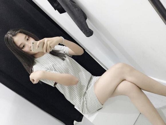 Không chỉ thừa hưởng về nhan sắc, Hoa hậu Trần Tiểu Vy và mẹ ruột còn rất hợp cạ về thời trang-1