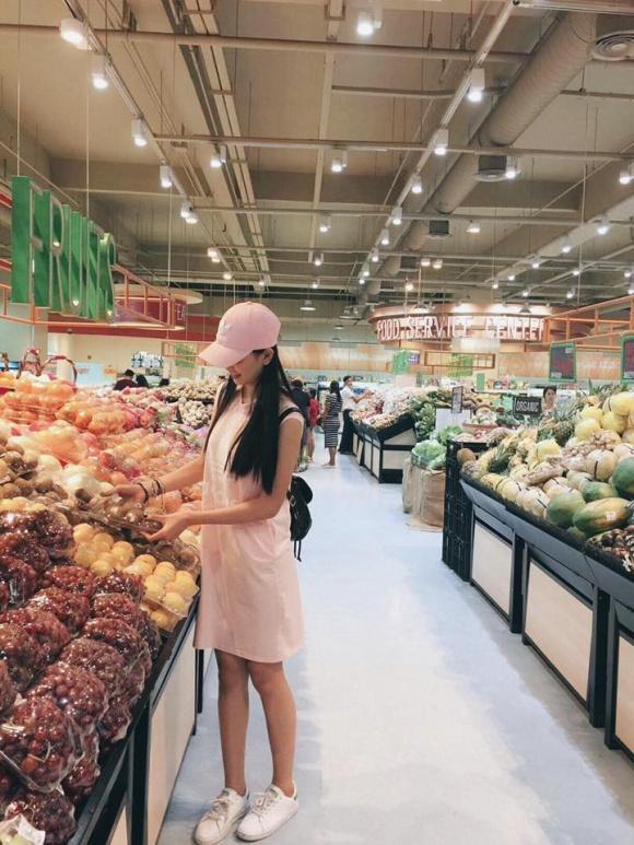 Không chỉ thừa hưởng về nhan sắc, Hoa hậu Trần Tiểu Vy và mẹ ruột còn rất hợp cạ về thời trang-2
