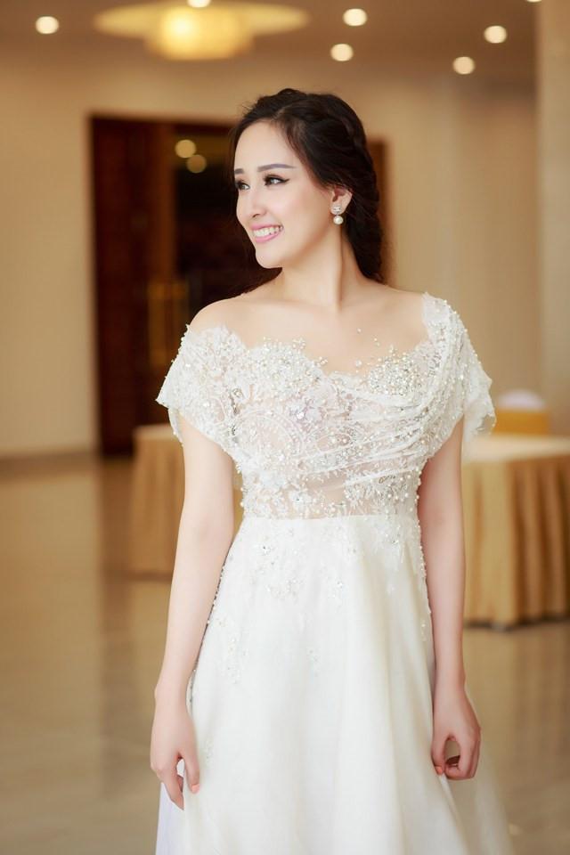 4 người đẹp đăng quang Hoa hậu Việt Nam ở tuổi 18-11