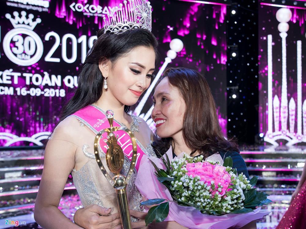 4 người đẹp đăng quang Hoa hậu Việt Nam ở tuổi 18-3