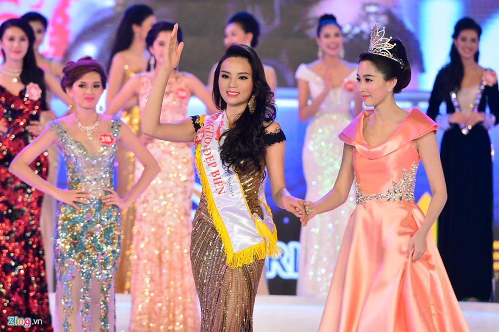 4 người đẹp đăng quang Hoa hậu Việt Nam ở tuổi 18-5