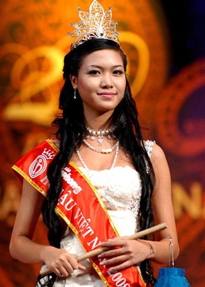 4 người đẹp đăng quang Hoa hậu Việt Nam ở tuổi 18-7