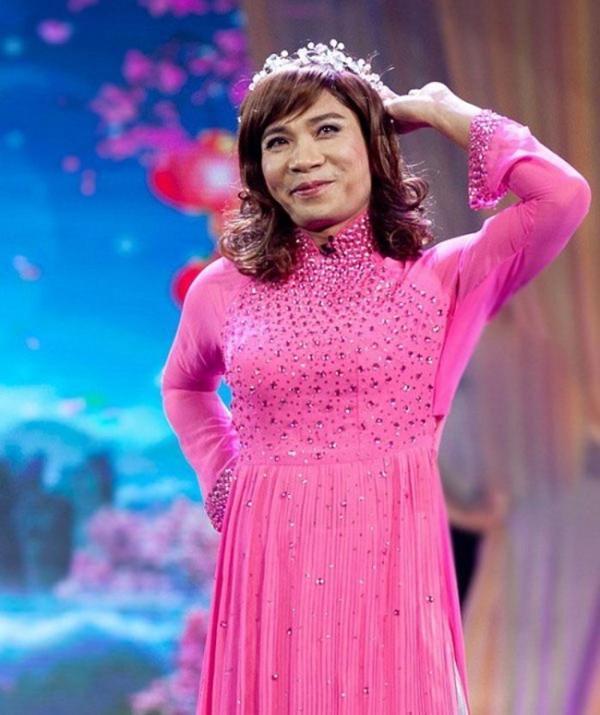Sao nam Việt mặc áo dài: BB Trần khiến phái đẹp chào thua, nhìn sang Trấn Thành chị em lại khóc thét-14