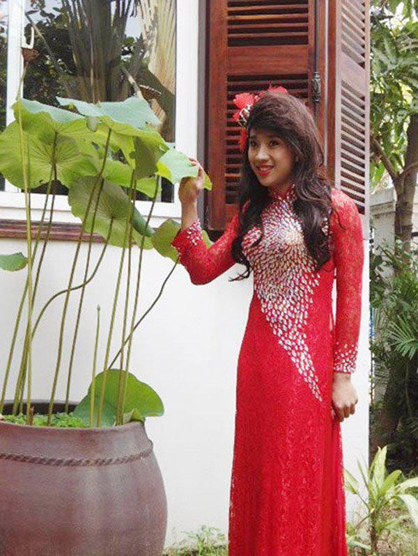 Sao nam Việt mặc áo dài: BB Trần khiến phái đẹp chào thua, nhìn sang Trấn Thành chị em lại khóc thét-10