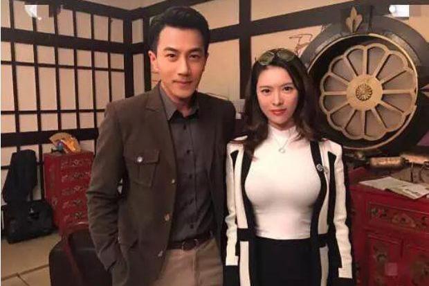 Bạn thân tiết lộ Lưu Khải Uy và Dương Mịch dù bên ngoài tỏ ra vẫn ổn nhưng sự thật đã ly hôn được 2 năm-2