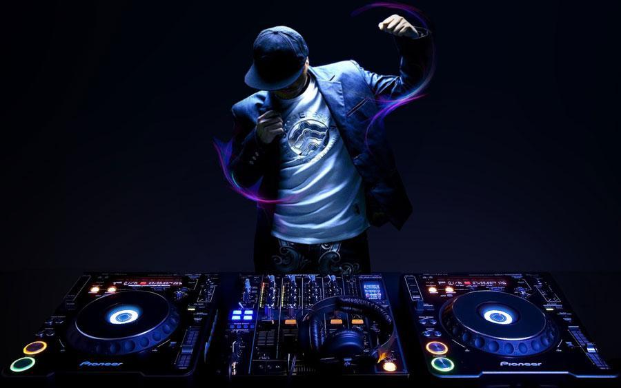 Tạm dừng chương trình âm nhạc có DJ, kể cả đã cấp phép-1