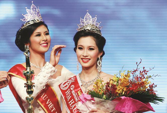 Khi trút bỏ lớp son phấn hỗ trợ, Hoa hậu Việt Nam nào sở hữu mặt mộc đáng ngưỡng mộ nhất?-13