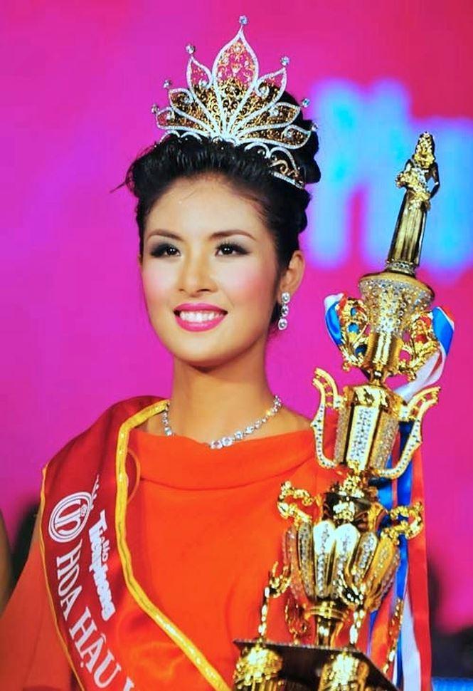 Khi trút bỏ lớp son phấn hỗ trợ, Hoa hậu Việt Nam nào sở hữu mặt mộc đáng ngưỡng mộ nhất?-17