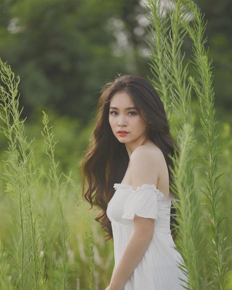 4 cô gái bằng tuổi Hoa hậu Trần Tiểu Vy xinh đẹp và nổi bật-7