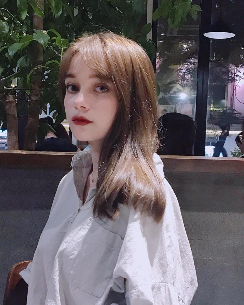 4 cô gái bằng tuổi Hoa hậu Trần Tiểu Vy xinh đẹp và nổi bật-13