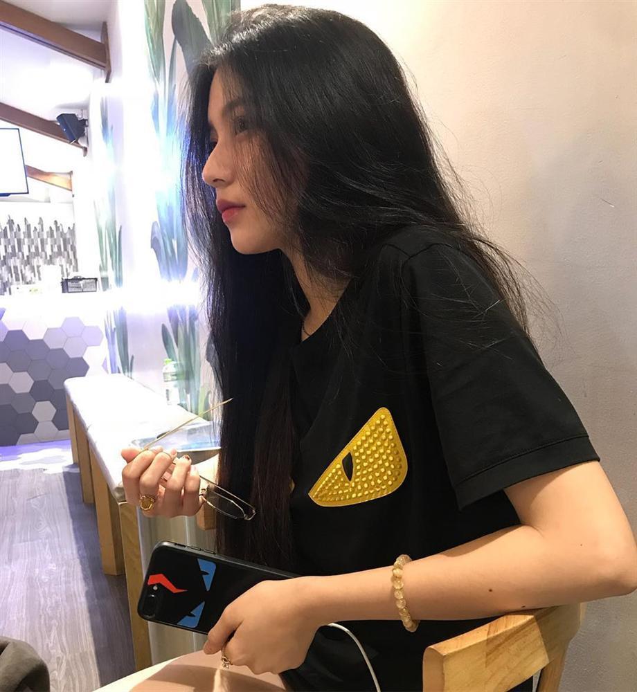 4 cô gái bằng tuổi Hoa hậu Trần Tiểu Vy xinh đẹp và nổi bật-16